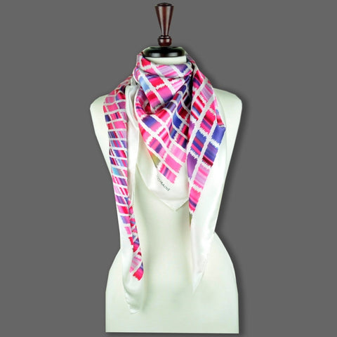 Pink and blue extra large silk scarf with a contemporary ethnic pattern: versatile and easy to wear all year round. Scarf ANNE TOURAINE Paris™ (6)