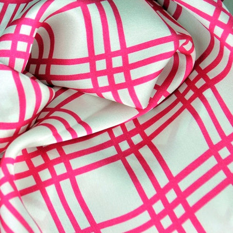 Pink and white extra large silk scarf with a fresh and modern stripe pattern: versatile and easy to wear all year round. Scarf ANNE TOURAINE Paris™ (5)