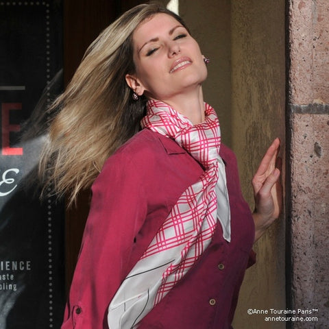 Pink and white extra large silk scarf with a fresh and modern stripe pattern: versatile and easy to wear all year round. Scarf ANNE TOURAINE Paris™ (4)
