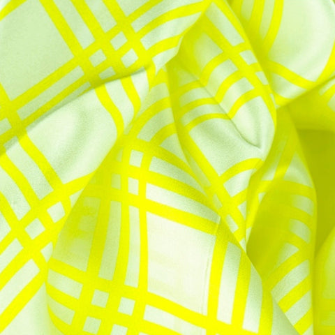 Yellow and white extra large silk scarf with a fresh and modern stripe pattern: versatile and easy to wear all year round. Scarf ANNE TOURAINE Paris™ (5)
