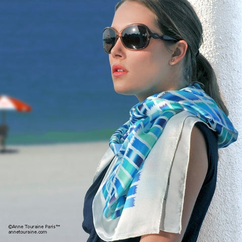 Turquoise and navy blue extra large silk scarf with a contemporary ethnic pattern: versatile and easy to wear all year round. Scarf ANNE TOURAINE Paris™ (3)