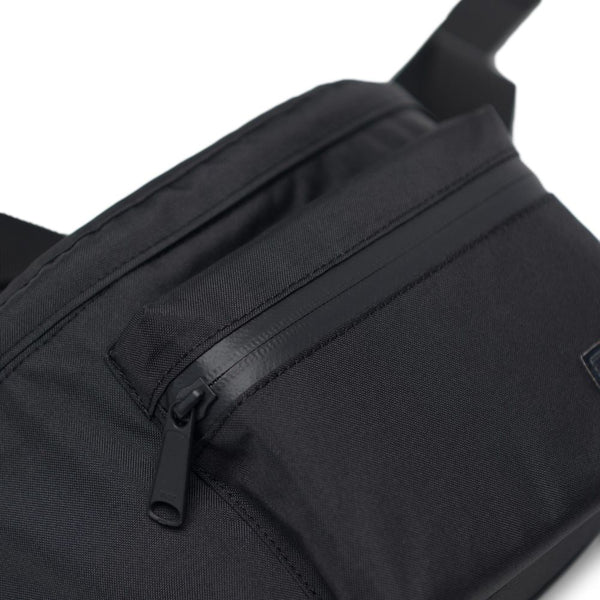 Herschel Supply Co. - Seventeen Black Light Hip Pack