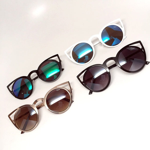 Quay Invader White / Blue Sunglasses