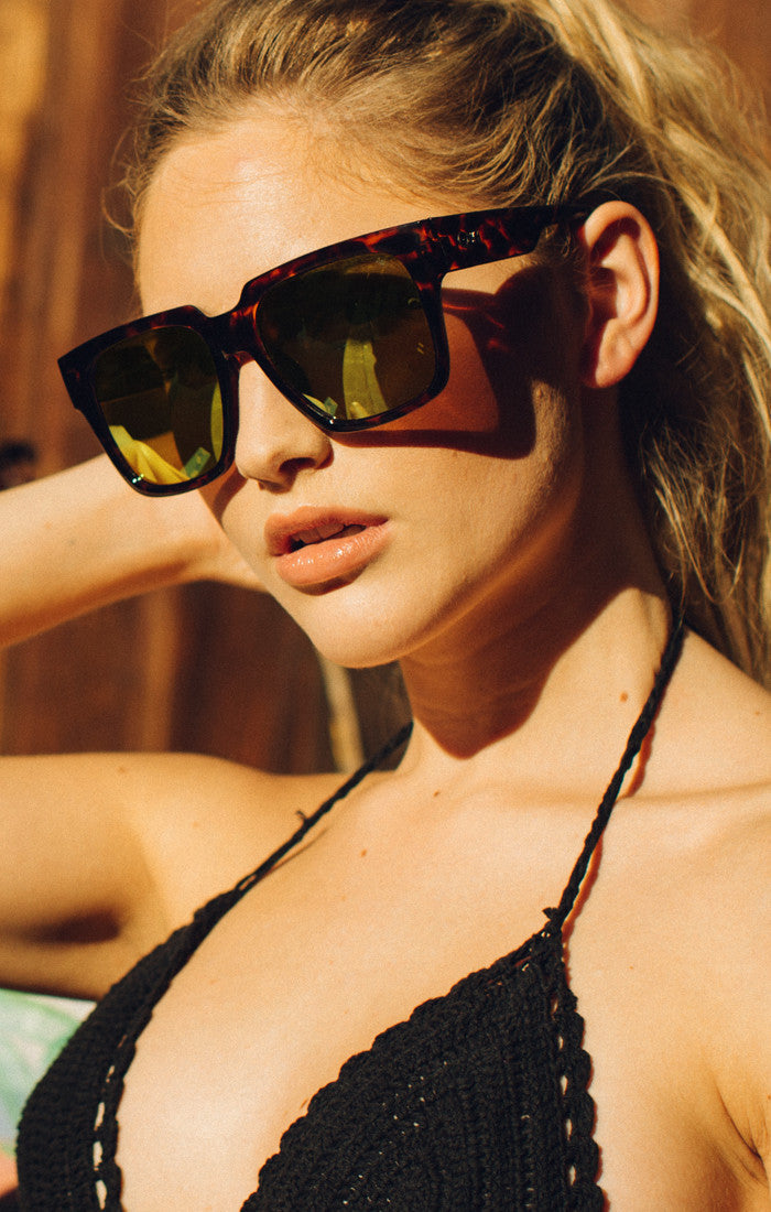 Quay On The Prowl Tortoise / Gold Mirror Sunglasses – New