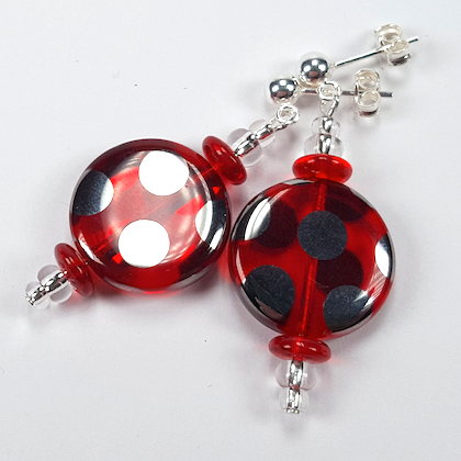 Red spot disc earrings