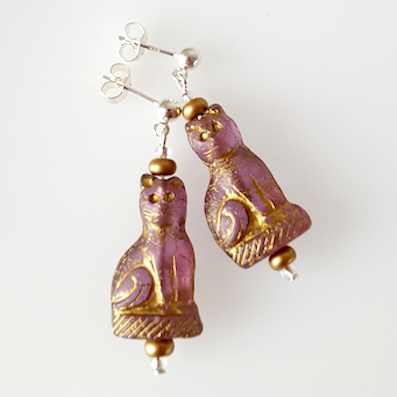 Cats - Purple cat shaped post earrings