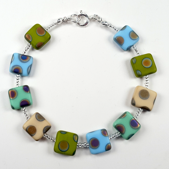 Cool shades multi spot bracelet