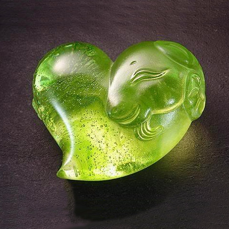Its Star, Its Heart (Lovable Me) - Heart Shape Crystal Paperweight - LIULI Crystal Art - Green.
