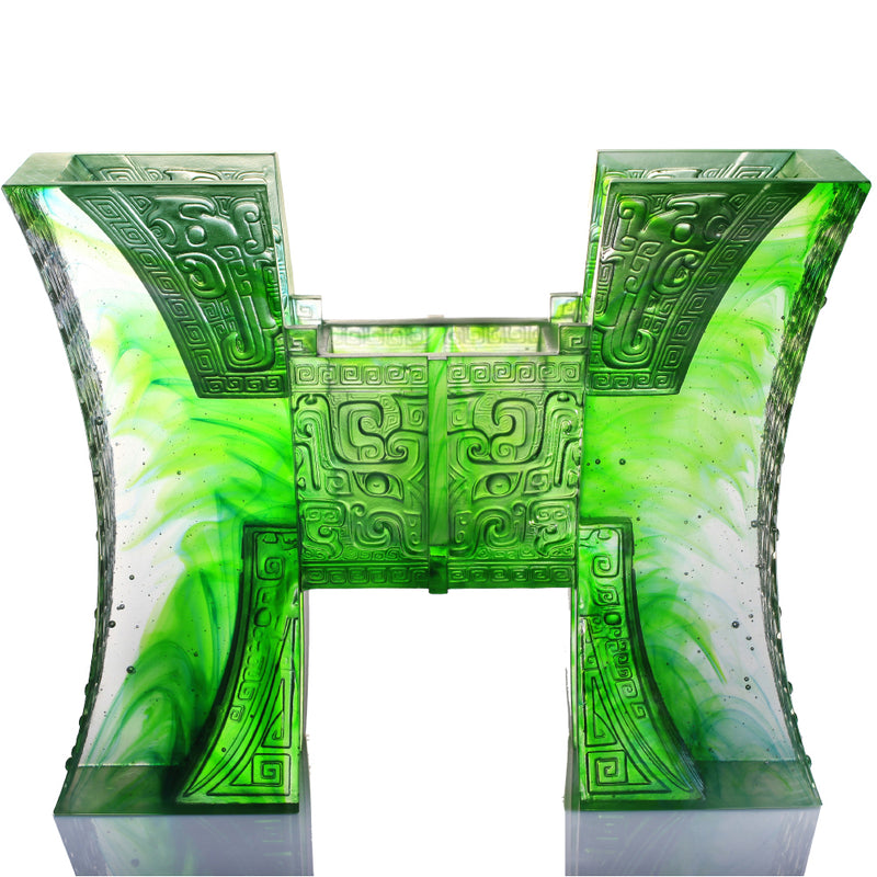 Crystal Chinese Vessel, Ding, Aptness with Caution-Ding of Harmonious Insight - LIULI Crystal Art