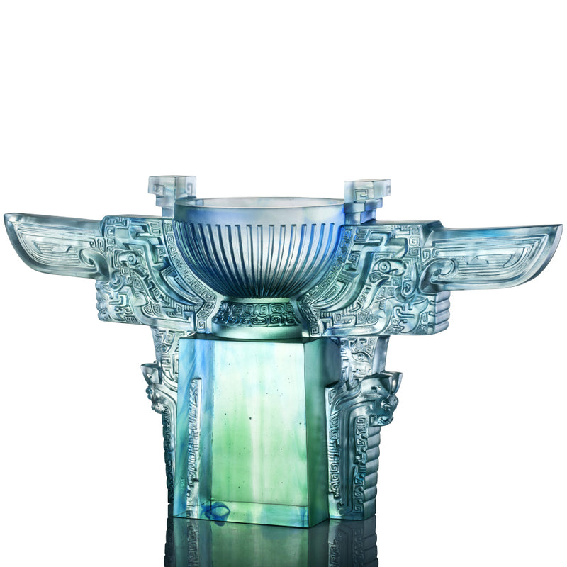 Crystal Vessel, Chinese Ding, Resolution with Sincerity-Ding of Illustrious Glory - LIULI Crystal Art