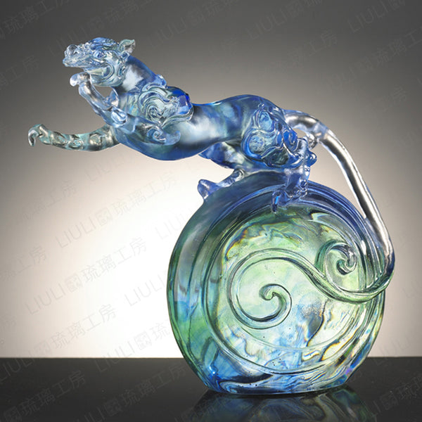 "Tiger Figurine (Zodiac, Confident) - ""In Flight"" - LIULI Crystal Art 