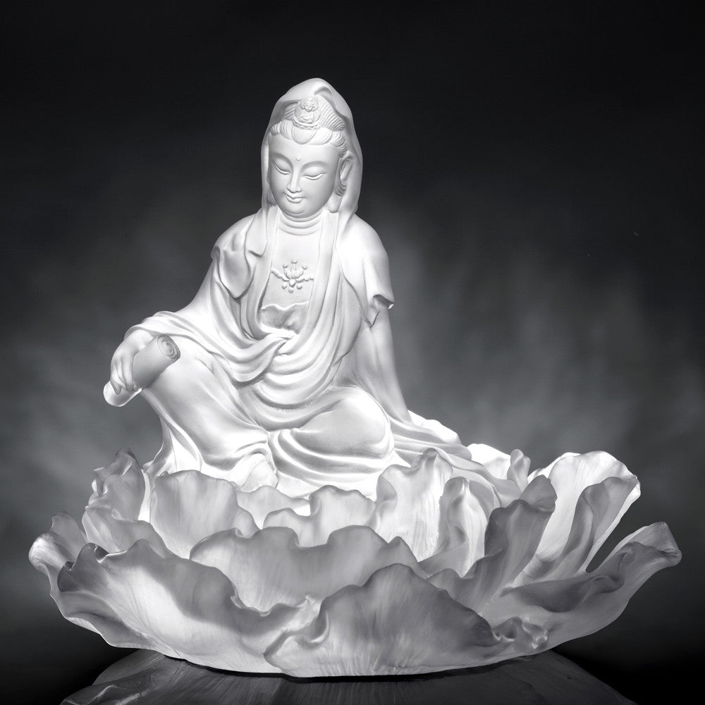 A Smile For Serenity (Guanyin) - Mortal Smile - LIULI Crystal Art