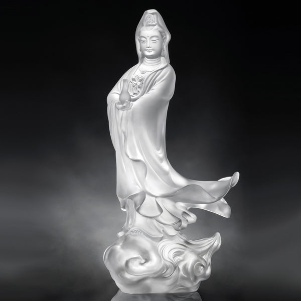 Jingping Guanyin - Mortal Smile - LIULI Crystal Art | Collectible Glass Art