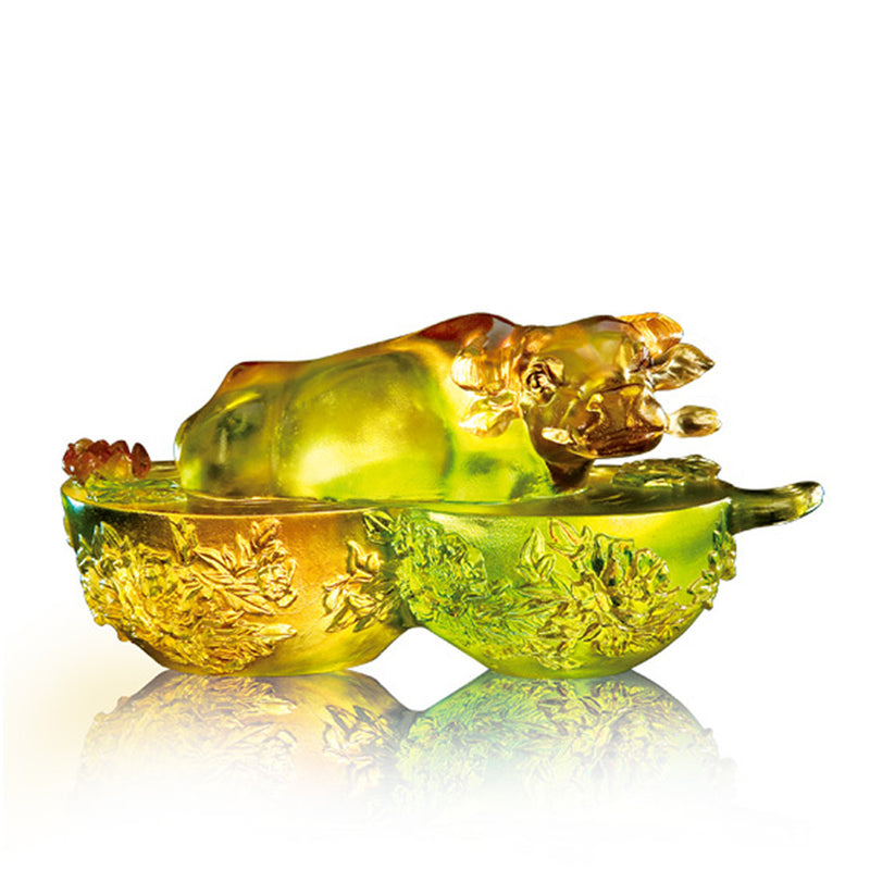 Crystal Animal, Buffalo Sculpture, Bringing Down the House - LIULI Crystal Art