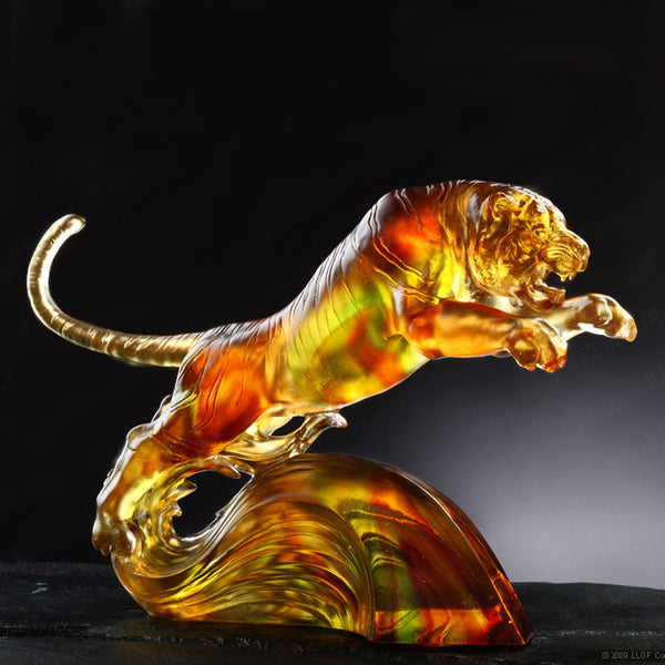 "Tiger Figurine (Zodiac, Ambitious) - ""In Flight Over Water and Moon"" - LIULI Crystal Art 