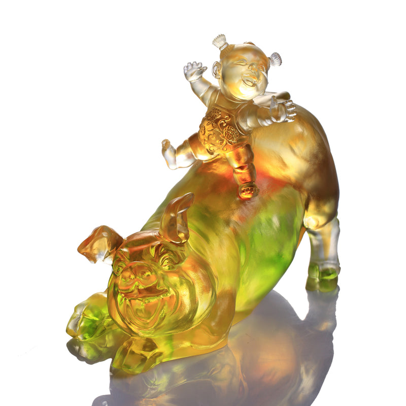 Happy Together (Abundant) - Pig Figurine - LIULI Crystal Art - Amber / Green Clear.