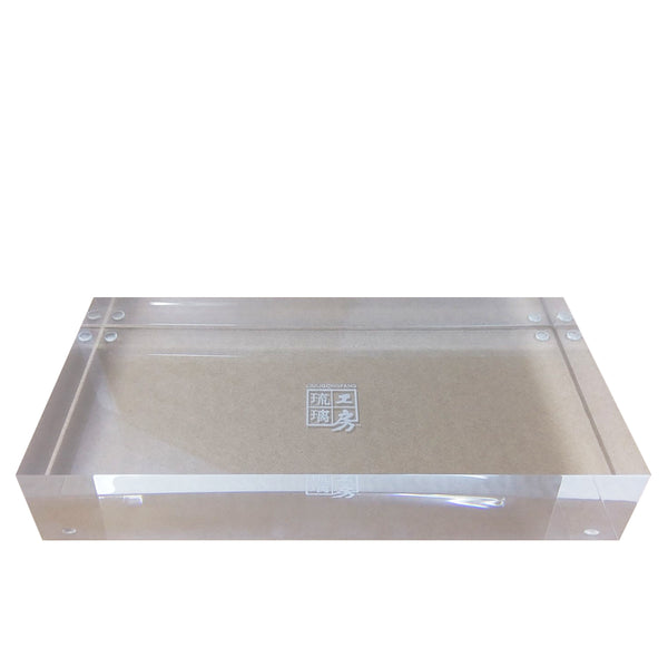 Display Base (Acrylic): 30x15x5 CM