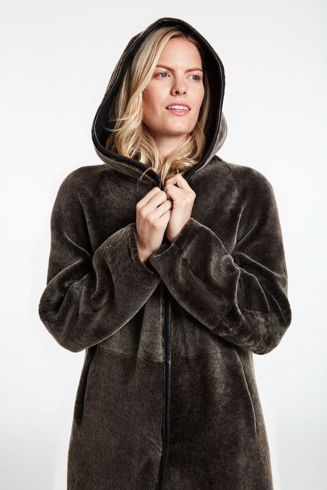 #9418HD Relaxed Expression Hooded Shearling REDUCED