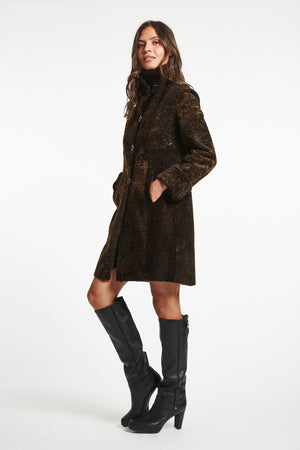Load image into Gallery viewer, #2204 Madison Ave Fine Shearling reg $2495 60% off now $995.00