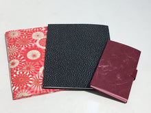 Load image into Gallery viewer, Introduction to Bookbinding with Leslie Drisdale