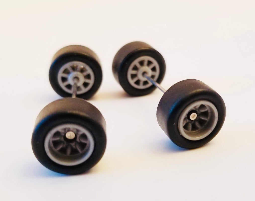 10CM 8-Spoke Gray Wheels and Black Tires Kit
