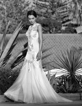 Load image into Gallery viewer, Elsa wedding dress bridal gown Perth - 9328S