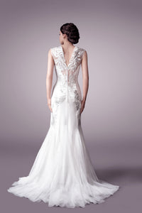 Elsa wedding dress bridal gown Perth - 9328 (B OUTLAYER)