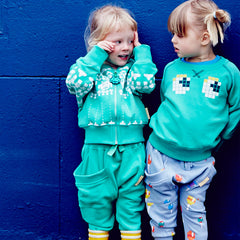 Team a Boys&Girls sweatshirt crew with harems and you're all set for playground fun.