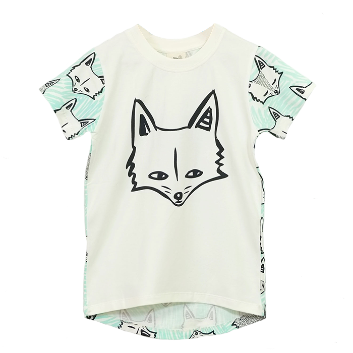 This tee features a large graphic 'Sly Fox' print on the front
