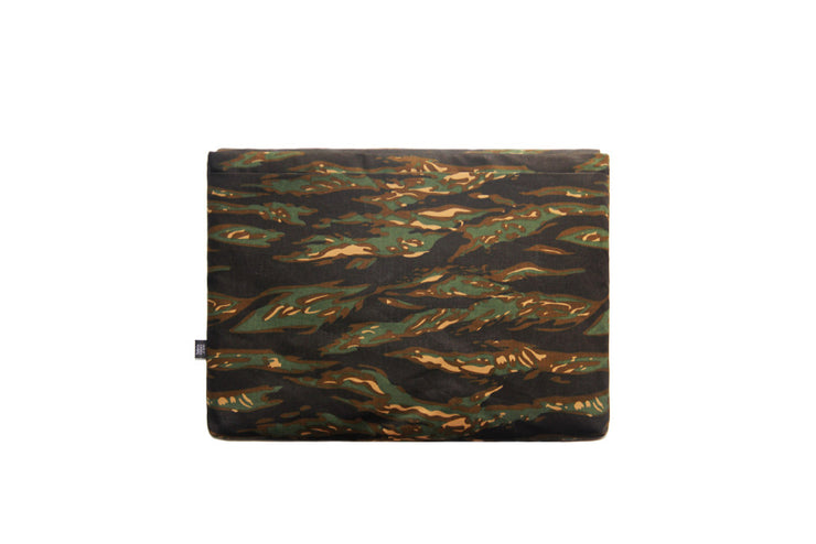 Deluxe Laptop Case - Tiger Camo