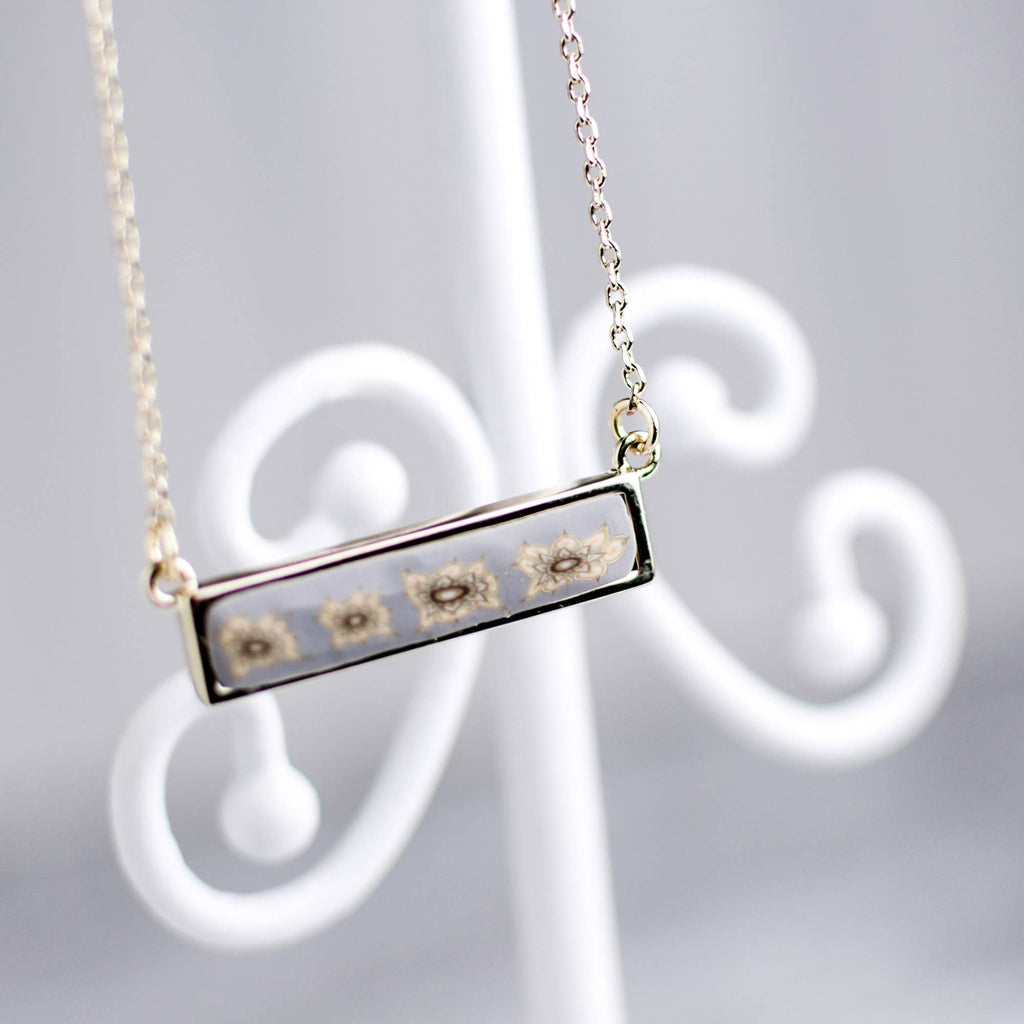 Linen Gold Reversible Bar Necklace