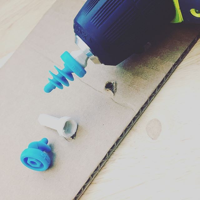 Makedo 3D printed scru bit for cardboard construction from sciartistceleste instagram