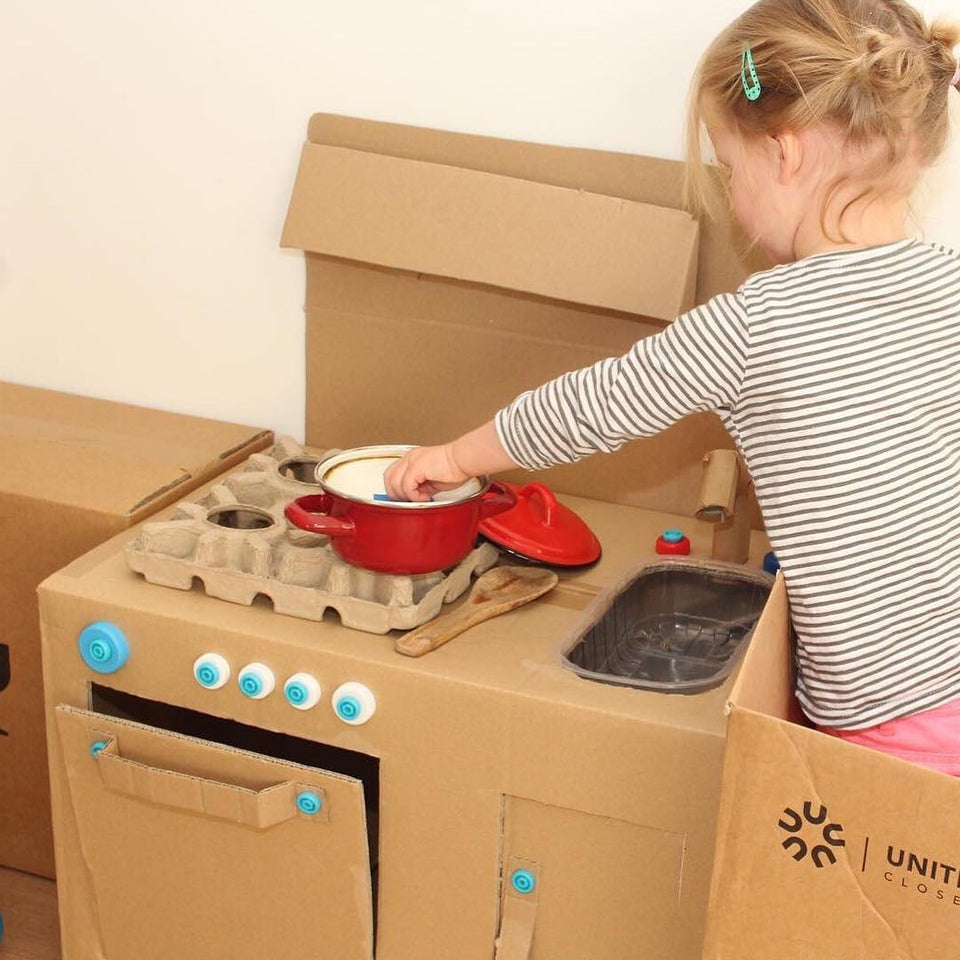 Makedo cardboard kitchen via instagram makedo_nl 201811