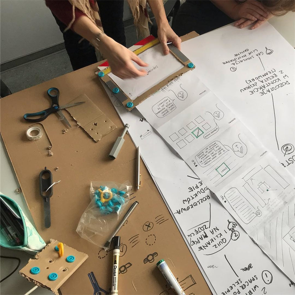 Experiments in design thinking with Makedo at WSE Krakow
