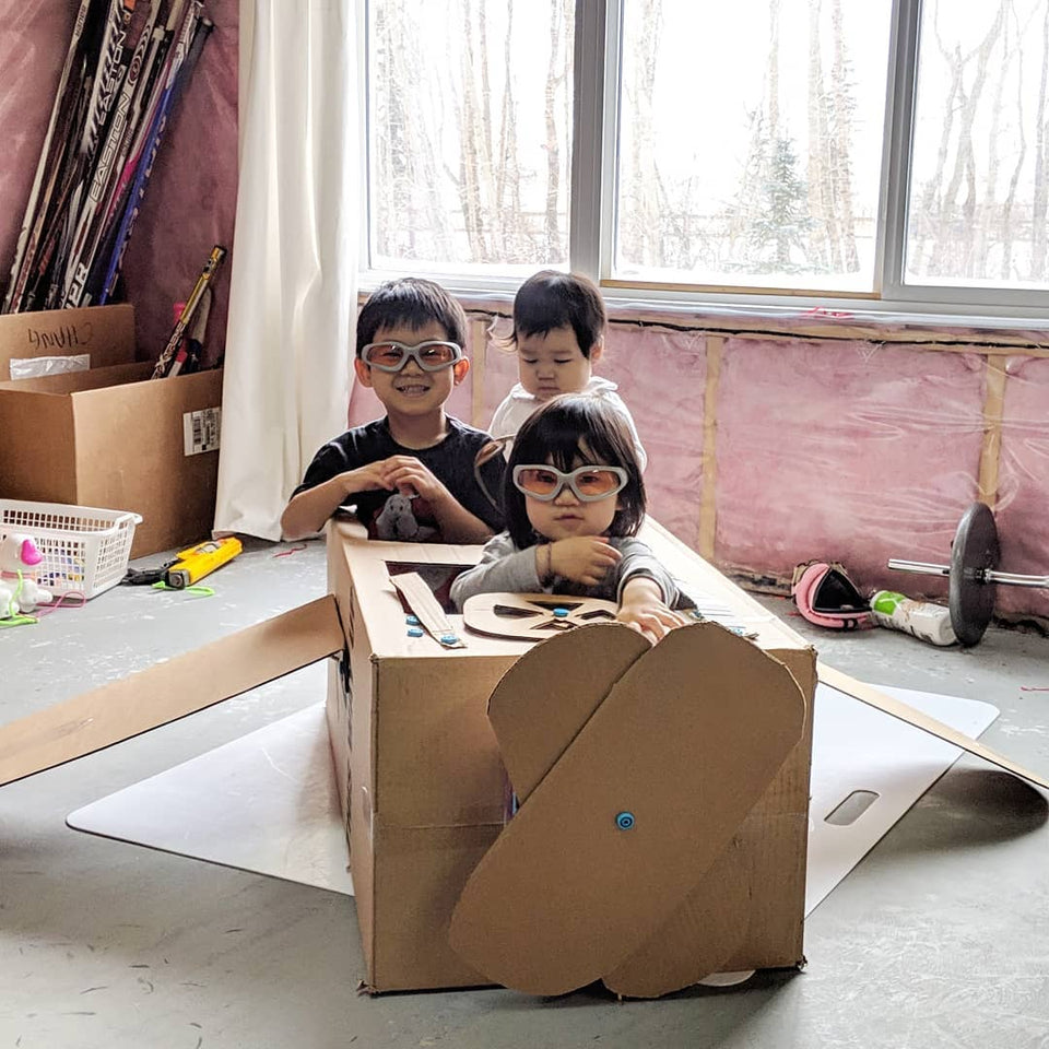 Flying high with Makedo cardboard constructions