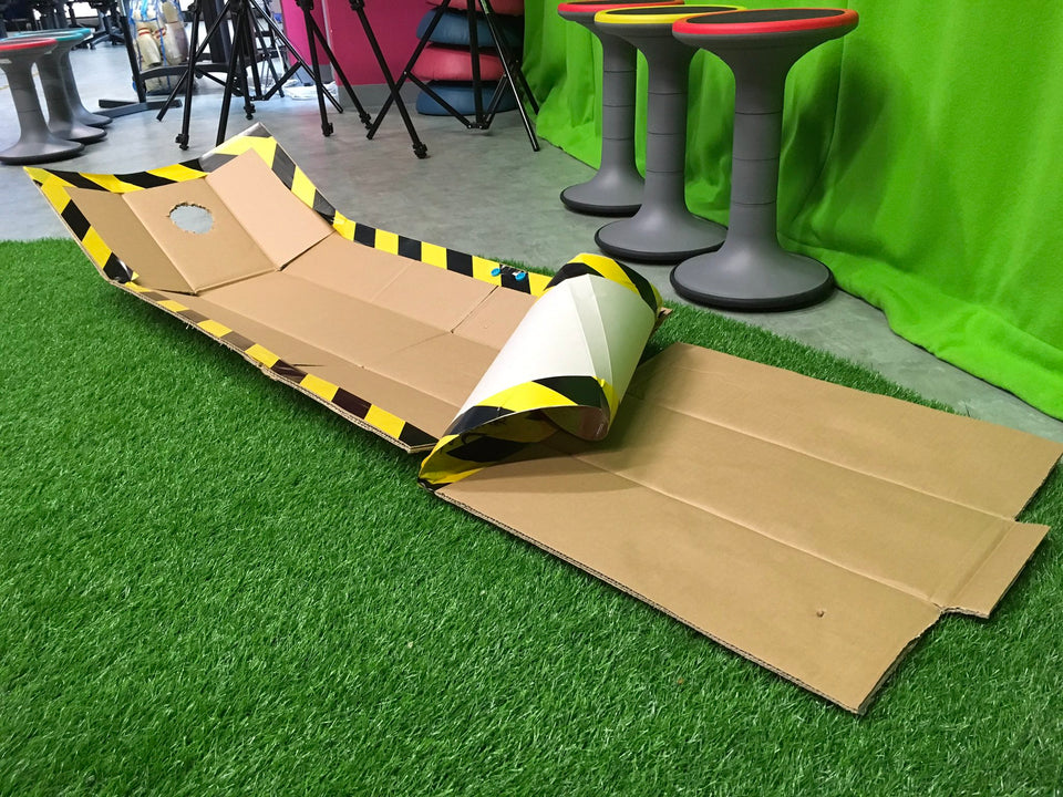 Using Makedo to make cardboard mini golf sports
