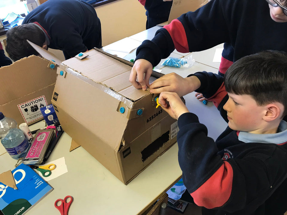 Visualise designs in SketchUp then build out of cardboard using Makedo cardboard tools