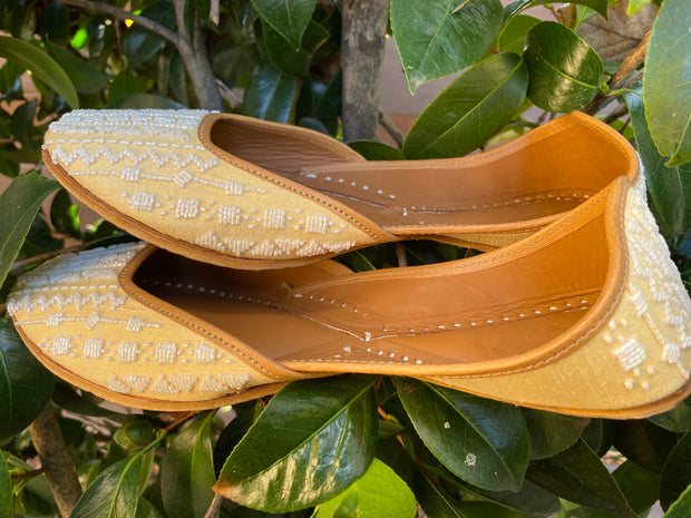 Mahi - White Embroidered Shoes