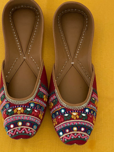Maira - Hand Embroidery Shoes