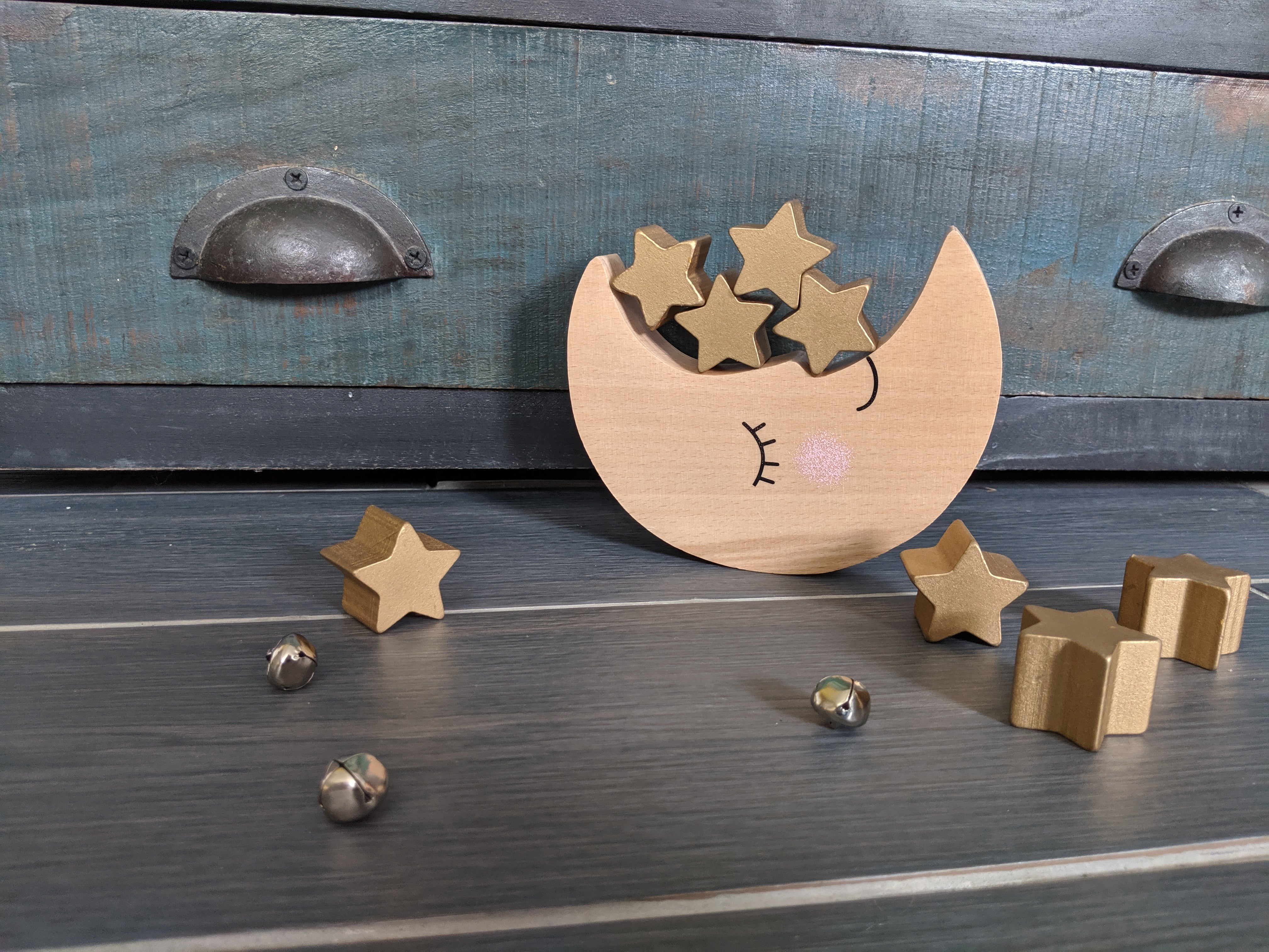 beautiful wooden moon and stars balancing game. Beech wood moon and MDF stars. Gorgeous scandi-style nursery decor.