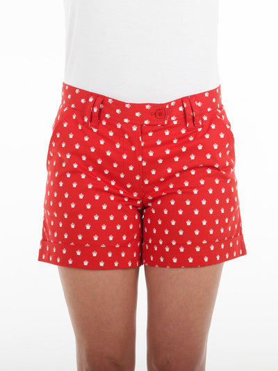 Queen Of the Green Red Womens Golf Shorts with White Crowns Printed