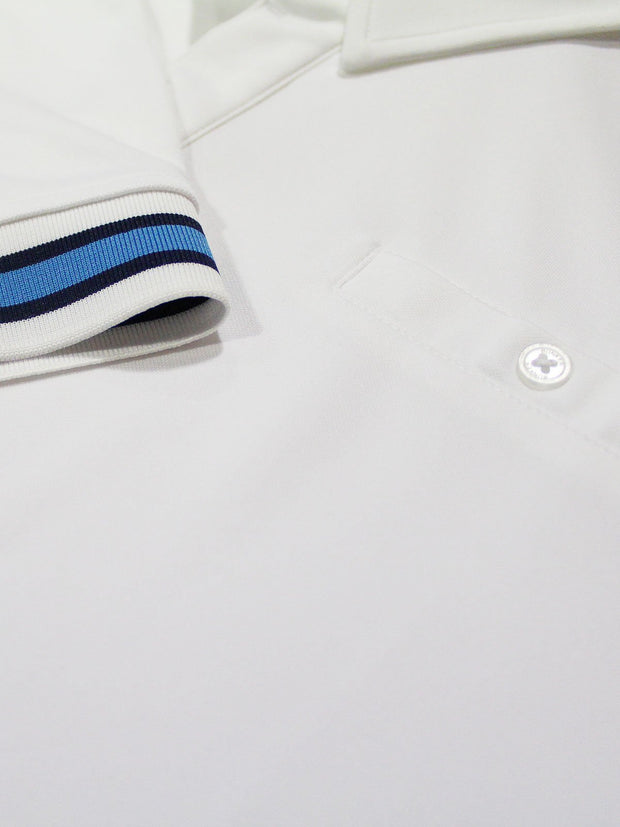 Bunker Mentality Cmax White Mens Golf Shirt with contrast blue tipping cuff and pocket - close up