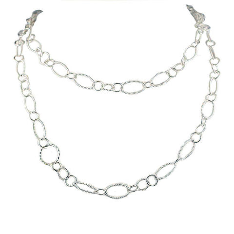 Oval Circle Link Necklace Detail