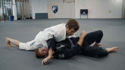 Keenan Cornelius Shows 3 Variations Of The Paper Cutter Choke