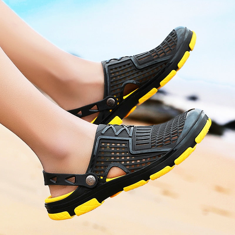 2019 New Men's Sandals Summer Slippers Beach Shoe Water Shoes