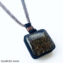 Load image into Gallery viewer, Mahogany Glow Necklace