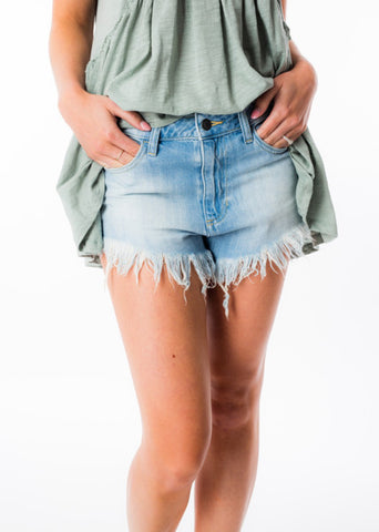 FRAYED DENIM SHORTS BY HIDDEN