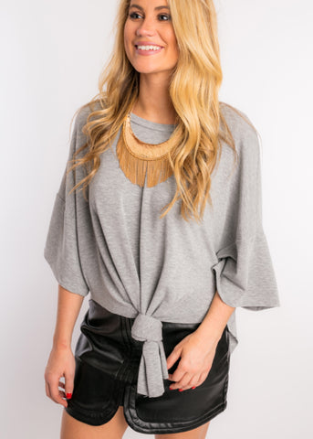OPEN ARMS KNOT TOP