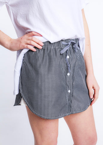 SOMETHING LIKE THAT STRIPED SKORT