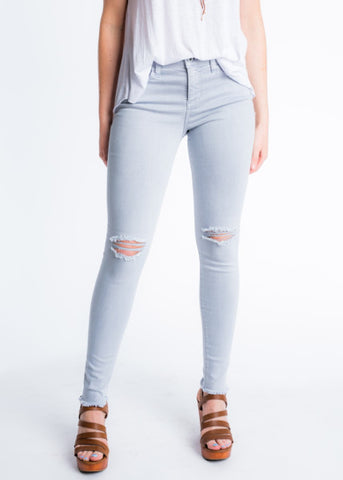 EASY ON DISTRESSED JEANS